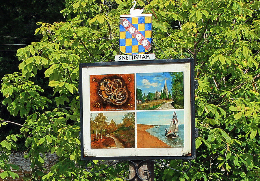 The Snettisham village sign