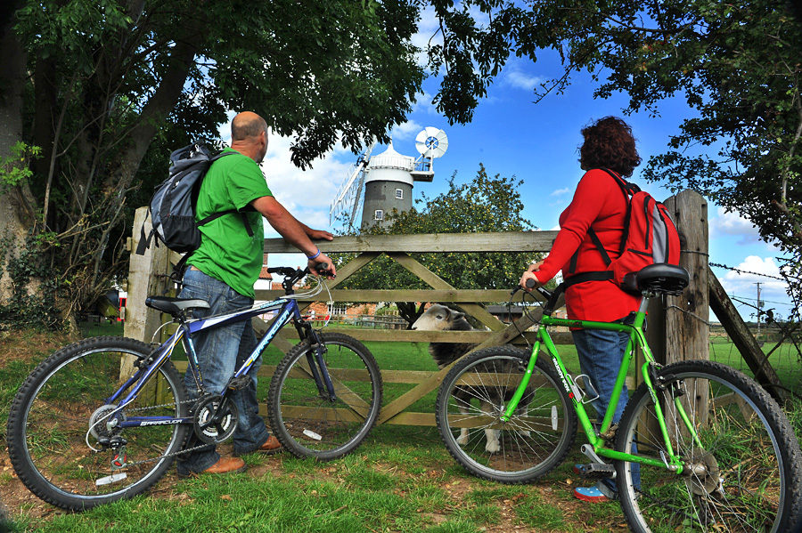 This cycling route starts at the entrance to the Bircham Windmill